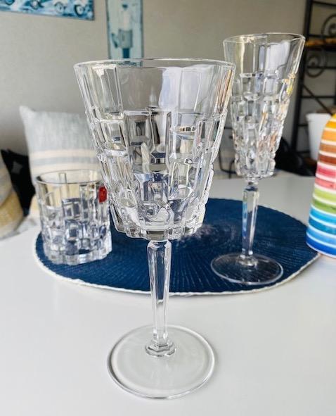 Stijlvolle wijnglazen van kristal kopen